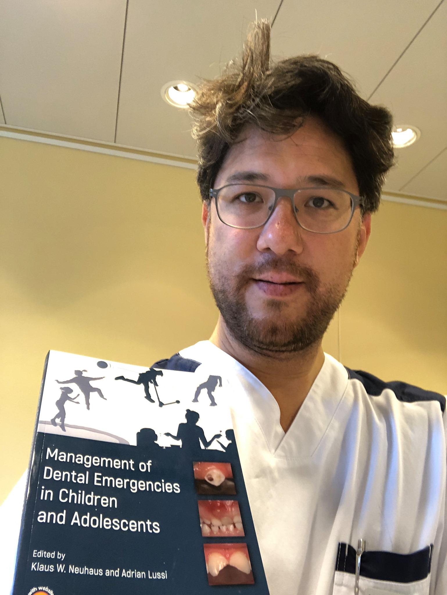 Buch über Notfallzahnmedizin bei Kindern